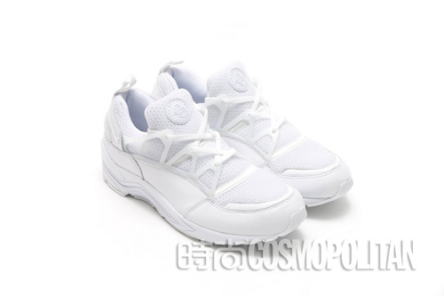 an-all-white-nike-air-huarache-light-1