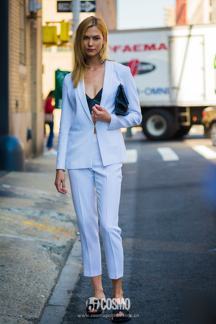 Karlie-Kloss-by-STYLEDUMONDE-Street-Style-Fashion-Photography0E2A3207-700x1050@2x