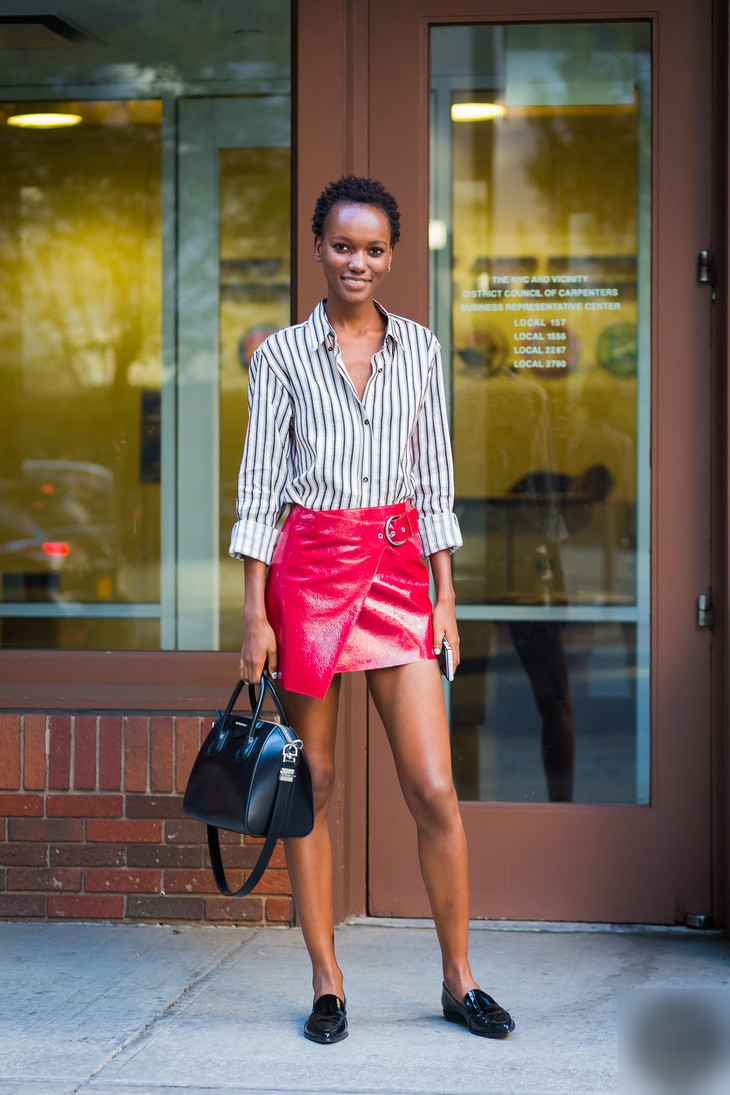 Herieth-Paul-by-STYLEDUMONDE-Street-Style-Fashion-Photography0E2A7559-700x1050@2x