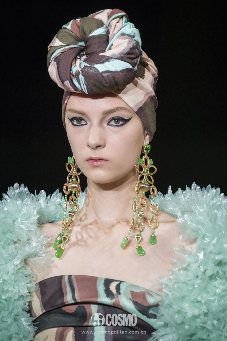 hbz-ss2018-jewelry-runway-jacobs-bjx-s18-002-1505840169