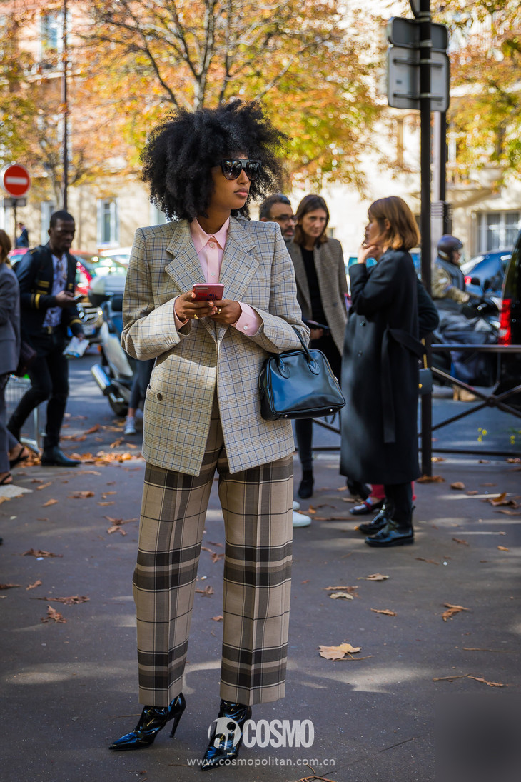Julia-Sarr-Jamois-by-STYLEDUMONDE-Street-Style-Fashion-Photography_48A4777-700x1050@2x